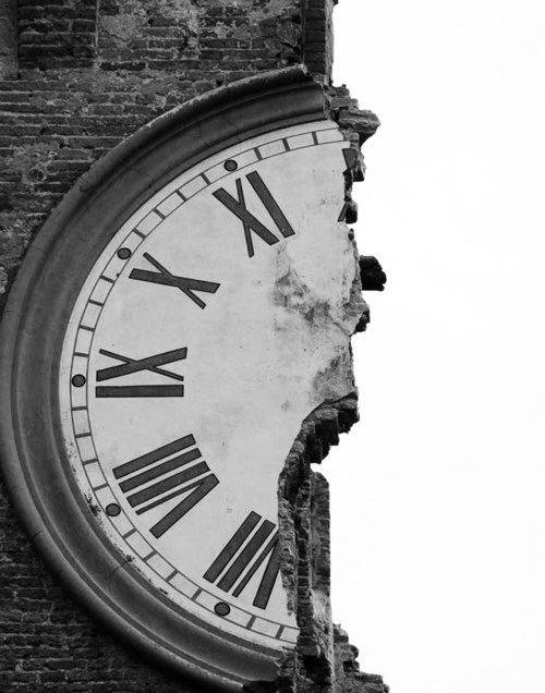 AW clock